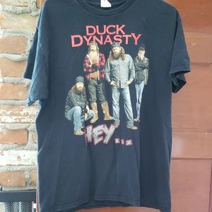 Duck dynasty tee shirt size large